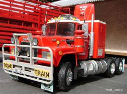 Mack R600 Cattle-Train